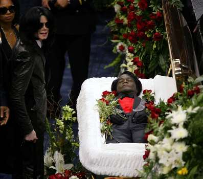 Michael Jackson at James Brown funeral