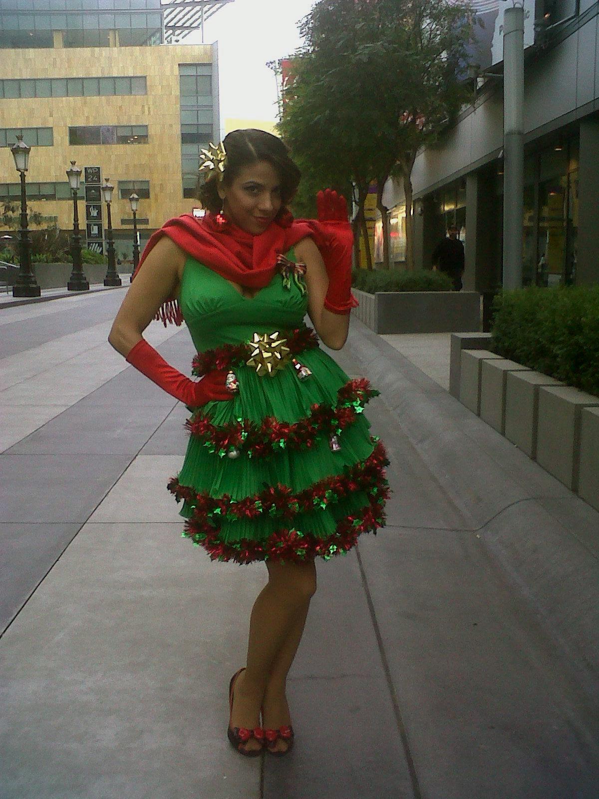 la-coacha-christmas-tree-dress